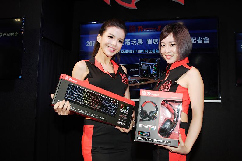 曜越於台北國際電玩展發表具指紋辨識功能的黑者Black FP電競滑鼠