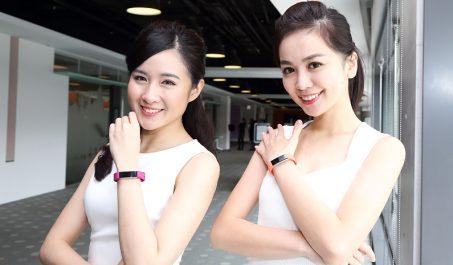 精巧的Fitbit Alta HR智慧手環隨時掌控運動與睡眠