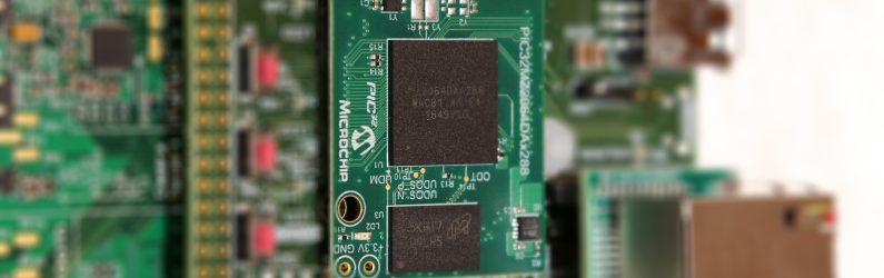 首款內建繪圖處理器與記憶體的Microchip PIC32MZ DA系列微控制器