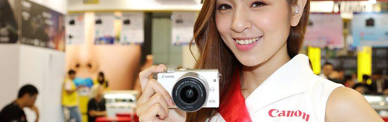 Canon EOS M100具適合女性的輕盈機身且使用簡易